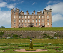 Drumlanrig Castle and Gardens