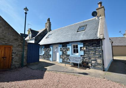 Sandend Harbour Cottage
